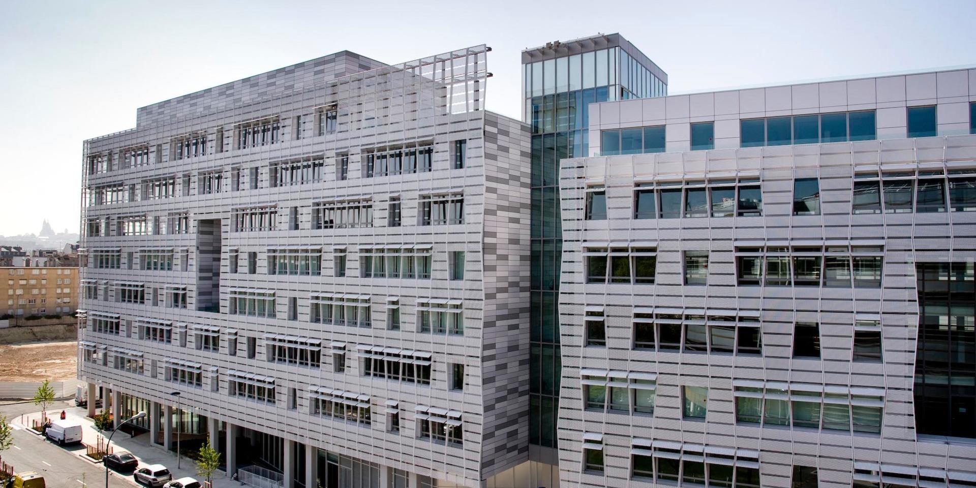 L'immeuble Influence à Saint-Ouen, qui compose le siège de la Région IDF avec Influence 2.0, situé juste à côté. © Nexity