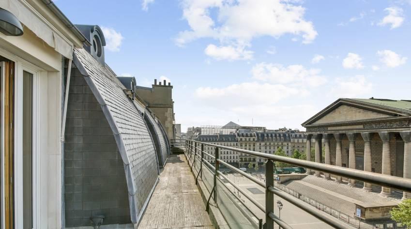 Vue depuis le Palacio place de la Madeleine, à Paris.