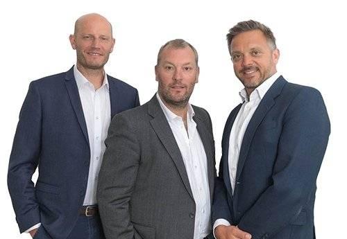 Les dirigeants de Cassian : Steve Woodward, Giles Wintle et Will Woodhead.