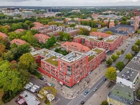 Les bureaux Q21 comprennent des bâtiments de cinq et sept étages. © Room Communication