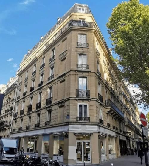 L'immeuble de Saint-Germain-des-Prés, acquis par Van der Storm.