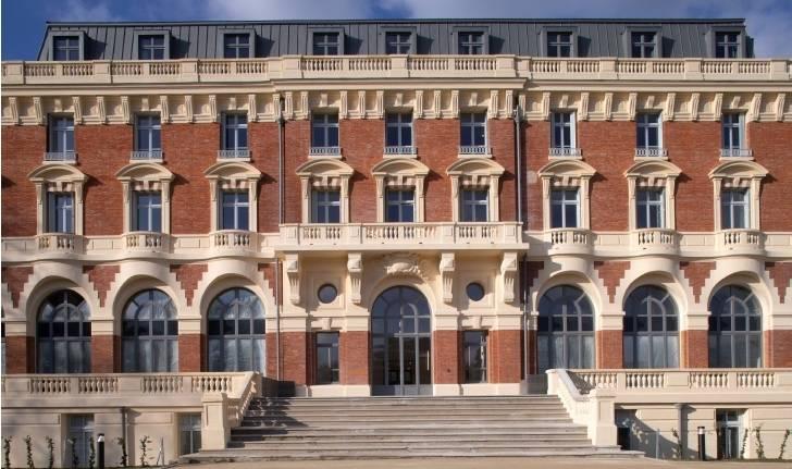 L'Hôtel Royal de Maisons-Laffitte.