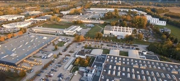 """Le campus """"secret-défense"""" de 49 000 m2, dans le Maine-et-Loire."""