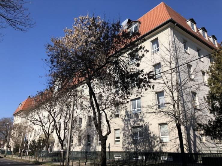 L'université hongroise de MNK Partners.