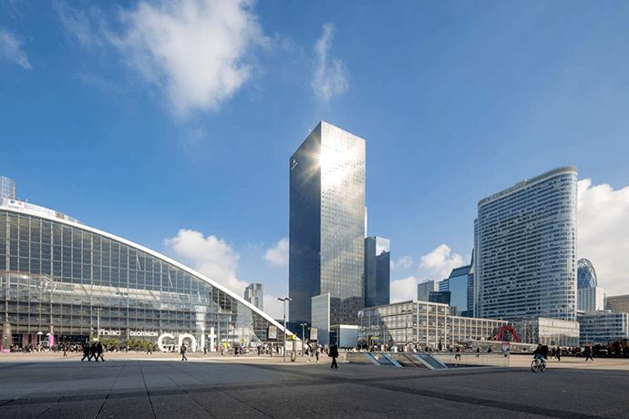 Au centre, la Tour Areva. © Paris La Défense