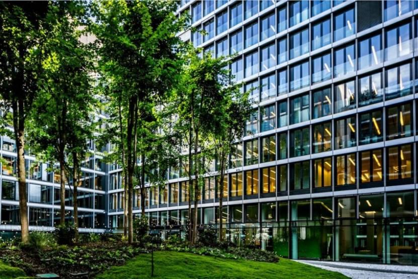 Le centre d'affaires Capital 8 au 32 rue Monceau, dans le QCA de Paris. © Benoit Linero