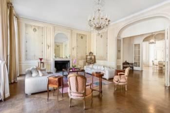 Appartement vendu à un acquéreur étranger au prix de : 8 970 000 €